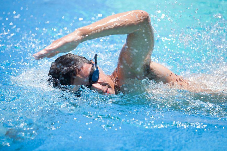 Pływanie: 366 kcal