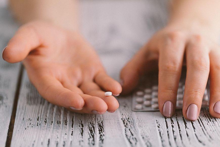 Tabletki antykoncepcyjne mogą być jedno lub dwuskładnikowe [123rf.com]