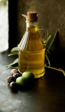 Tłuszcze, które warto dodać do sałatki, aby była zdrowsza