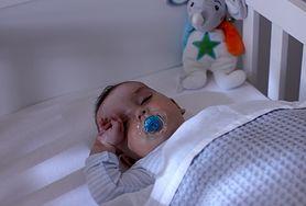 Zapewnij spokojny i zdrowy sen swojemu dziecku - nie tylko przytulenie jest ważne