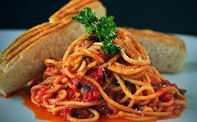Makaron z pomidorami i szpinakiem. Przyrządź i ciesz się smakiem!
