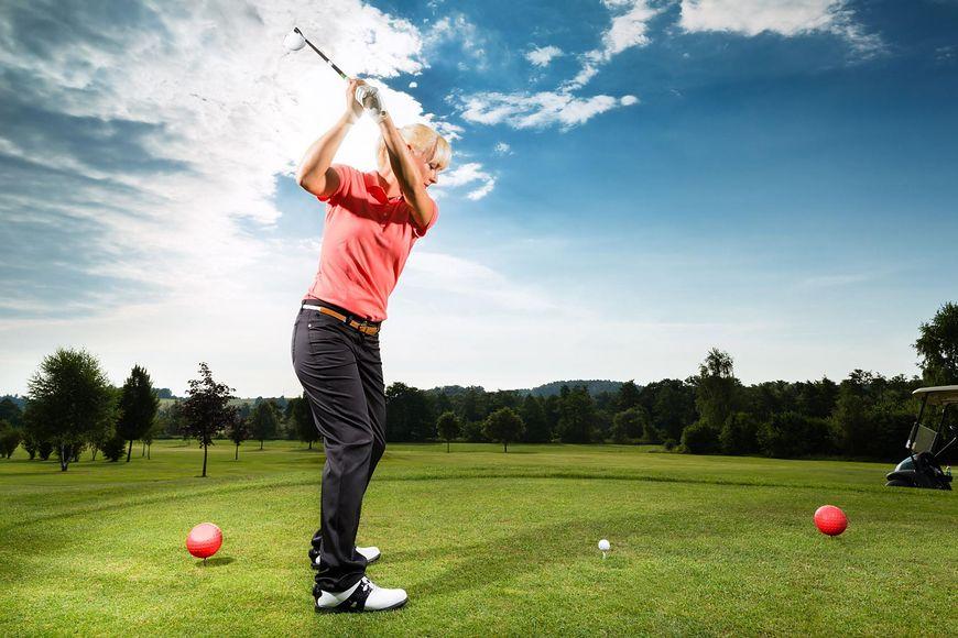 Golf: 330 kcal