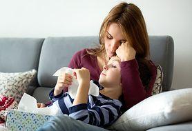Dlaczego nie powinniśmy ignorować utrzymującego się kataru u dziecka?