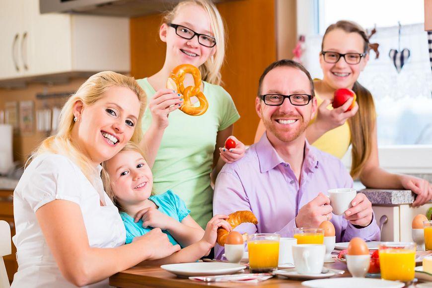 Równoczesne leczenie wszystkich członków rodziny