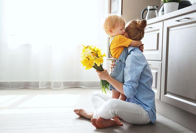 Dzień Matki 2019 – pomysły na prezent. Skorzystaj z naszych propozycji prezentów z okazji Dnia Matki i spraw mamie przyjemność w tym szczególnym dniu