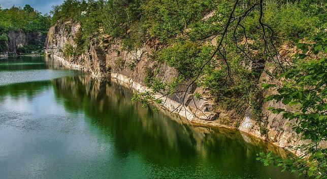 Ślęża - gdzie szmaragdowe wody pełne są tajemnic