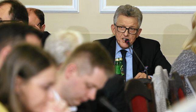 """Piotrowicz o kadencyjności sędziów. """"W konstytucji nie jest zapisane, że ma być w nieskończoność"""""""