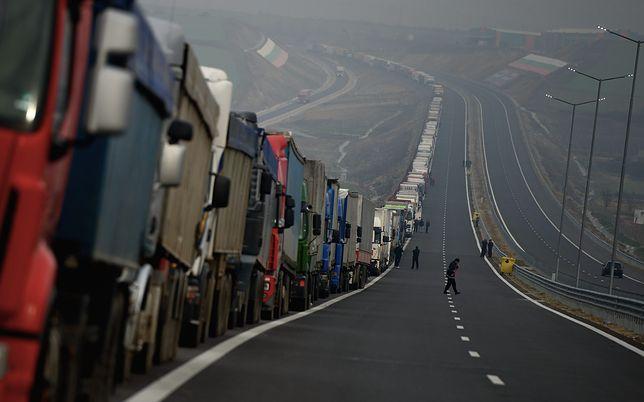 Zatrzymano Polaka w Bułgarii. Przemycał nielegalnych imigrantów