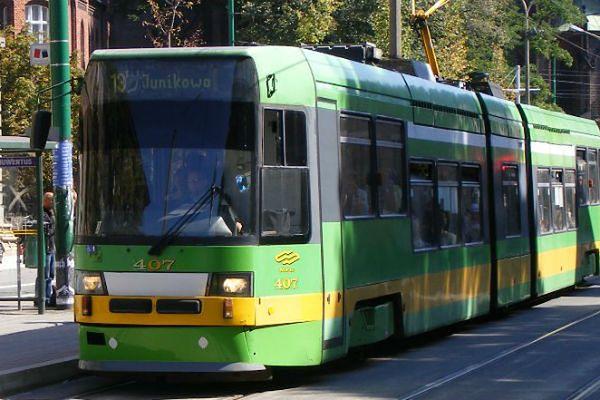 Bezdomni w autobusach i tramwajach - poznańskie MPK ma na nich nowy sposób
