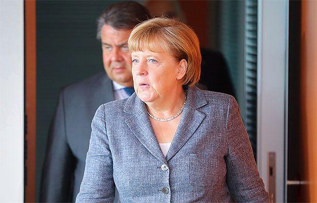 """""""Der Spiegel"""": brakuje dokumentów dotyczących kontrowersyjnej decyzji Angeli Merkel ws. otwarcia granicy dla uchodźców"""