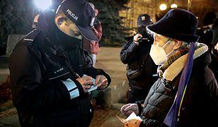 PiS chce obowiązkowych mandatów. Były policjant: skutek będzie odwrotny