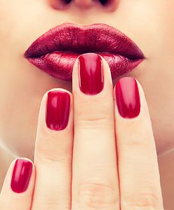 Jak prawidłowo dobrać kolor paznokci do okazji, stroju i typu karnacji?