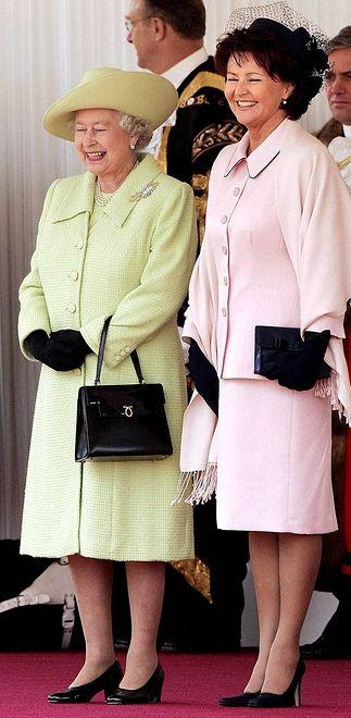 Królowa Elżbieta upodobała sobie markę Launer