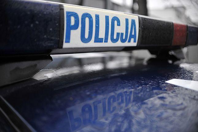 Za napaść na policjanta na służbie grozi kara nawet 10 lat więzienia.