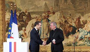 Francja. Nuncjusz miał dotykać młodego urzędnika. Ruszyło śledztwo