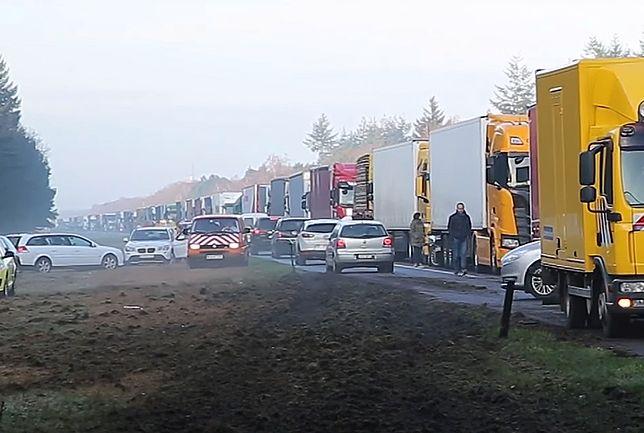 Pijany Polak zablokował autostradę w Holandii. Aresztowali go