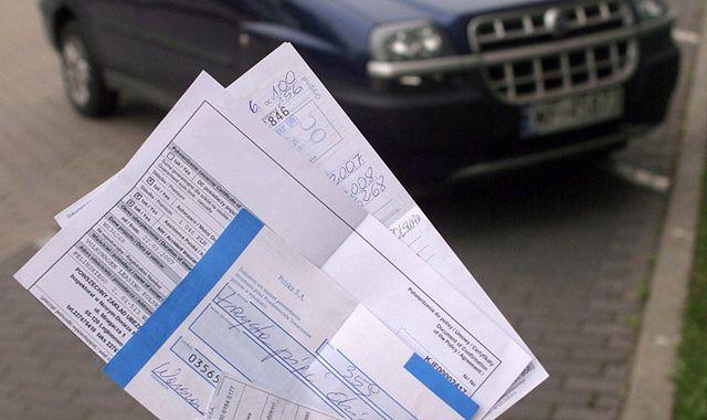 Mniej pojazdów w Polsce jeździ bez OC