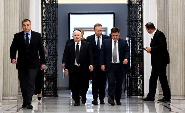 Eksperci dla WP.PL: nie ma szans na wcześniejsze wybory. PiS zyska jeśli przedstawi plan zmian
