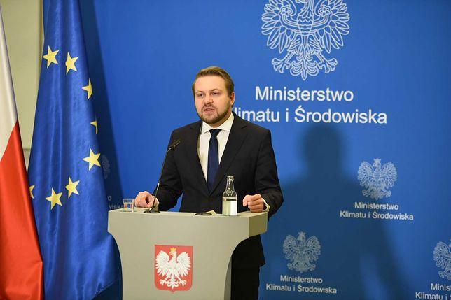 Warszawa. Jacek Ozdoba podczas konferencji prasowej