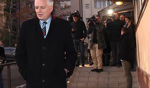Jarosław Gowin przed siedzibą PiS na Nowogrodzkiej.
