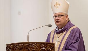 """Wiejas: """"Kościół ma być sumieniem demokracji. A kto będzie sumieniem Kościoła?"""" (Opinia)"""