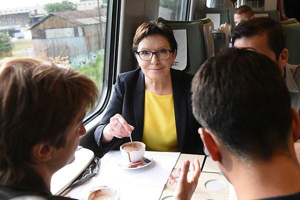 Ewa Kopacz w drodze na Dolny Śląsk