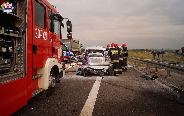 Wypadek na obwodnicy Lublina. Jedna osoba nie żyje, dwie są ranne
