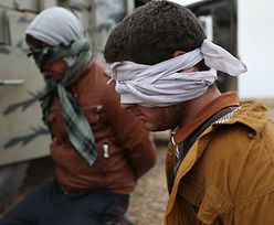 """""""W imię Allaha"""". Bojownicy z ISIS ścięli głowy 50 osobom"""