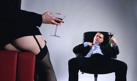 Flirt w pracy. Od romantyzmu do wyrachowania