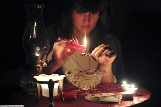 Zbliżają się Andrzejki 2019. Dowiedz się, kiedy i jak obchodzić tradycyjne święto.