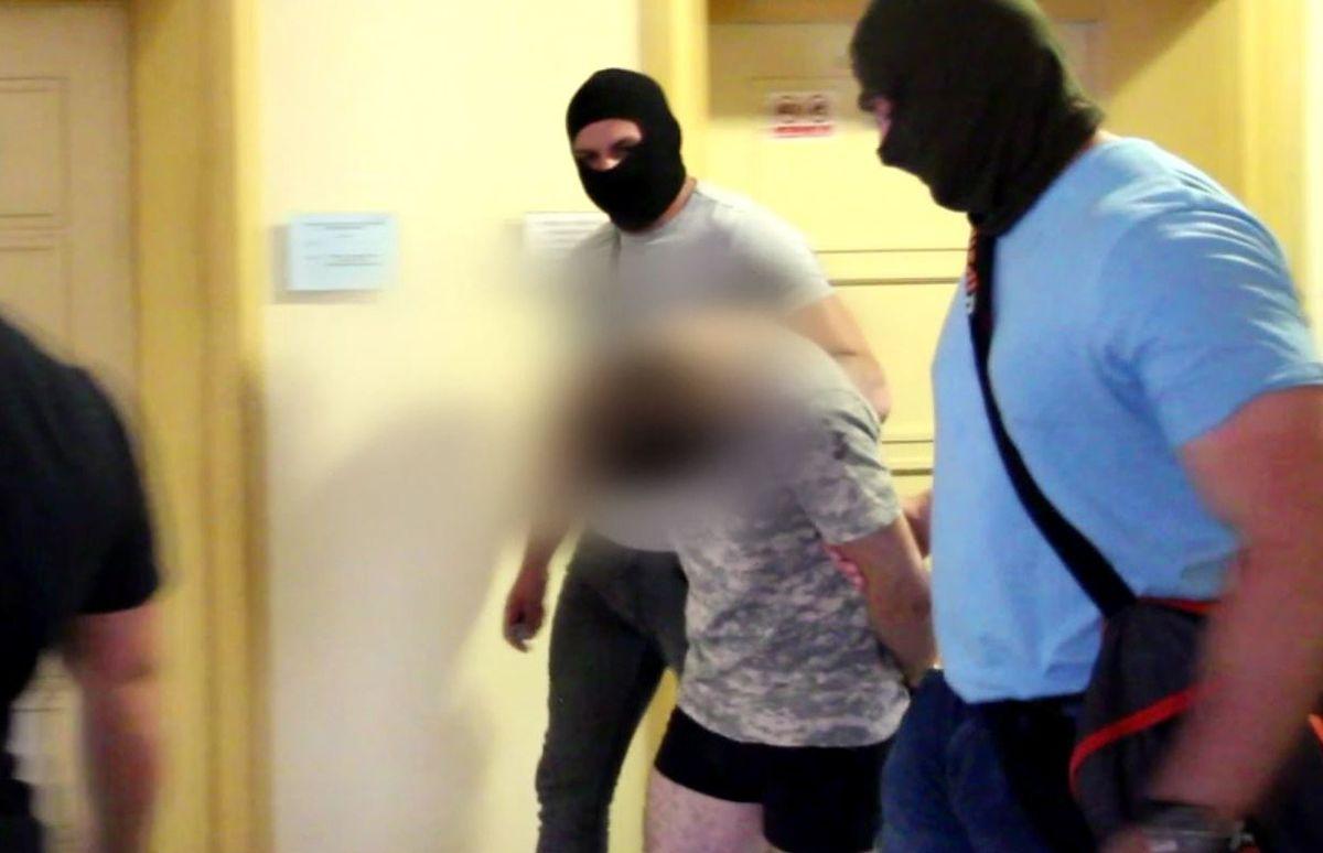 """Podejrzany o morderstwo Kristiny Jakub A. w innym areszcie. """"Został schowany"""""""