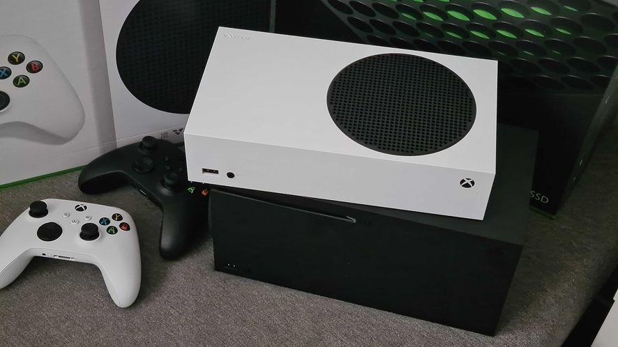 Xbox Series X|S – test i recenzja. Emocje jak na promocji parówek, ale sprzęt obiecujący