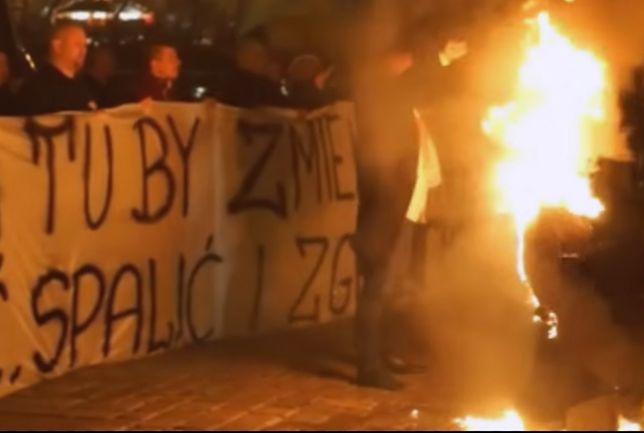 Spalił kukłę Żyda. Piotr Rybak tworzy nowe ugrupowanie polityczne