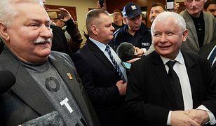Lech Wałęsa i Jarosław Kaczyński przed salą sądową w Gdańsku
