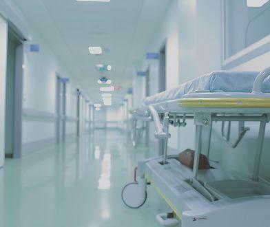 Koronawirus w Polsce. Wyleczone małżeństwo opuściło szpital w Raciborzu