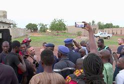 Atak na hotel w Bamako. Co z zakładnikami?