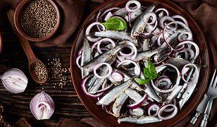 Szprot – mała rybka, którą można użyć do nakarmienia wielu gości