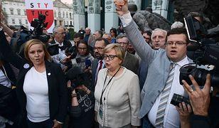 Małgorzata Gersdorf w Sądzie Najwyższym. Protest w Warszawie