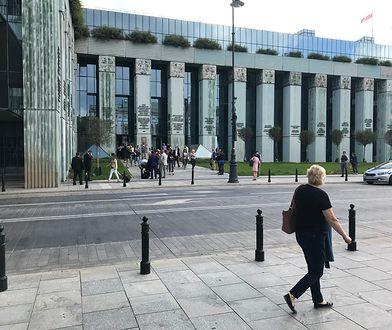 Warszawa. Pirotechnicy sprawdzili budynek Sądu Najwyższego