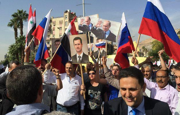 Demonstracja w Damaszku, która została przerwana przez ostrzał ambasady Rosji