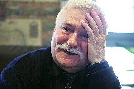 Pokojowy gołąb dla Lecha Wałęsy