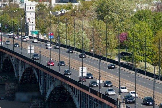 Miliony pojazdów na stołecznych drogach. Gdzie ruch jest największy?