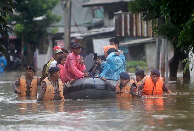 Indonezja. Rośnie liczba ofiar śmiertelnych powodzi w Dżakarcie