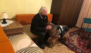 Śląsk. Bezdomny senior z Tarnowskich Gór nie musi już spać w aucie