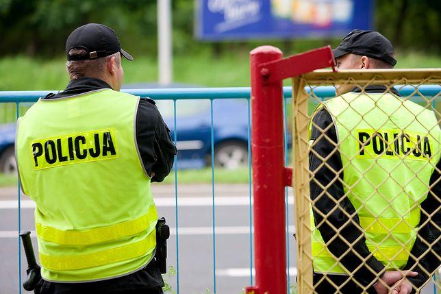 Śledczy nie znaleźli podstaw do tego, by podejrzewać policjantów o przyczynienie się do śmierci Krzysztofa S.