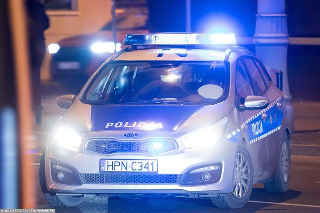 Pijany 23-latek pchnął matkę nożem. Usłyszał zarzuty