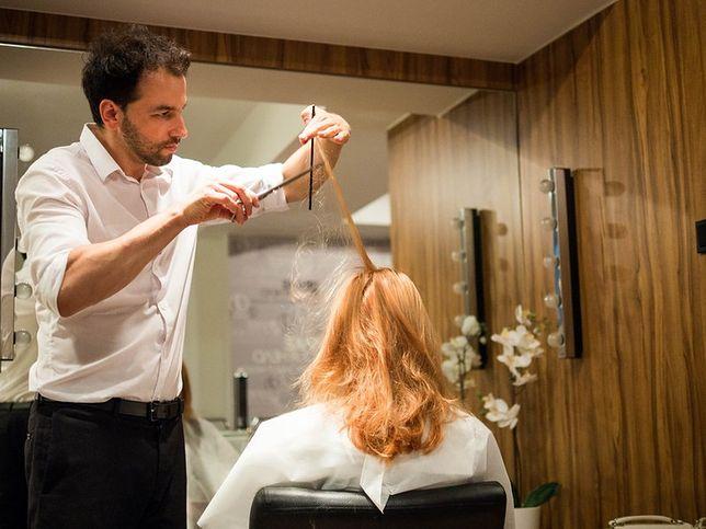 Martwią cię kruche i łamliwe włosy? Poznaj 11 zasad zimowej pielęgnacji Grzegorza Dużego, głównego stylisty Shake Your Head
