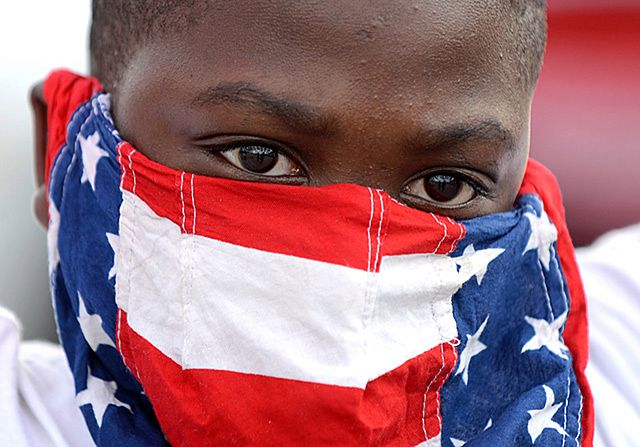 Policjanci ostrzelani w Ferguson. Są ranni - zdjęcia