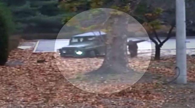 Moment ucieczki północnokoreańskiego żołnierza.