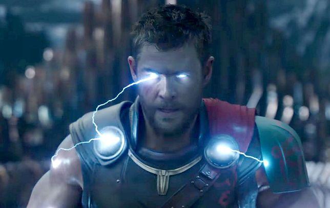 Chris Hemsworth jako Thor w filmie Marvela